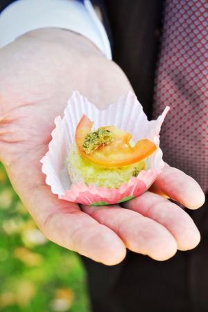 Mini cheesecake salata pesto e pomodori